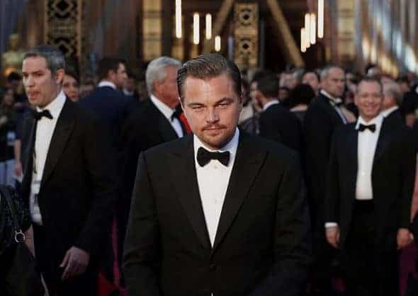 "Leonardo DiCaprio, nominated for Best Actor for his role in ""The Revenant"", wearing a Giorgio Armani tuxedo, arrives at the 88th Academy Awards in Hollywood, California February 28, 2016. REUTERS/Lucas Jackson TPX IMAGES OF THE DAY - RTS8FPC"